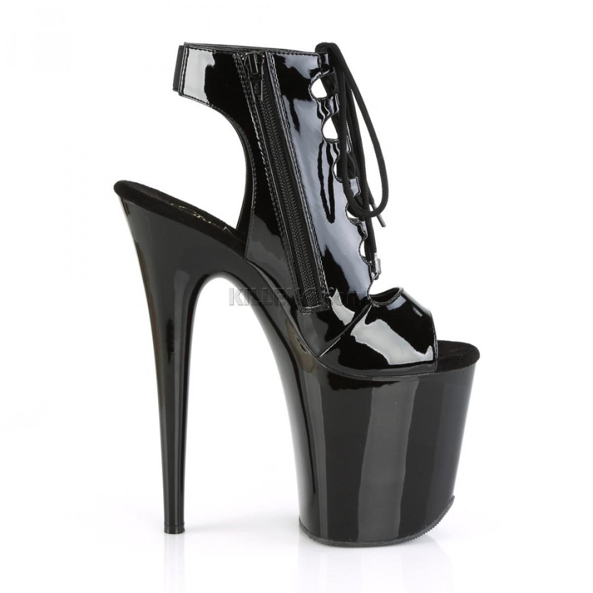 Открытые лаковые короткие ботиночки на шнуровке