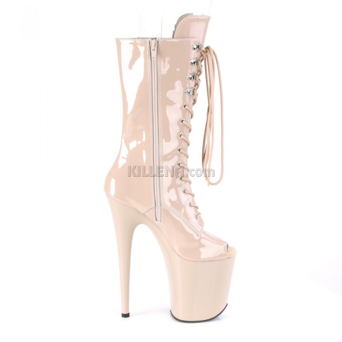 Высокие лакированные бежевые стрип-ботинки с открытым носиком