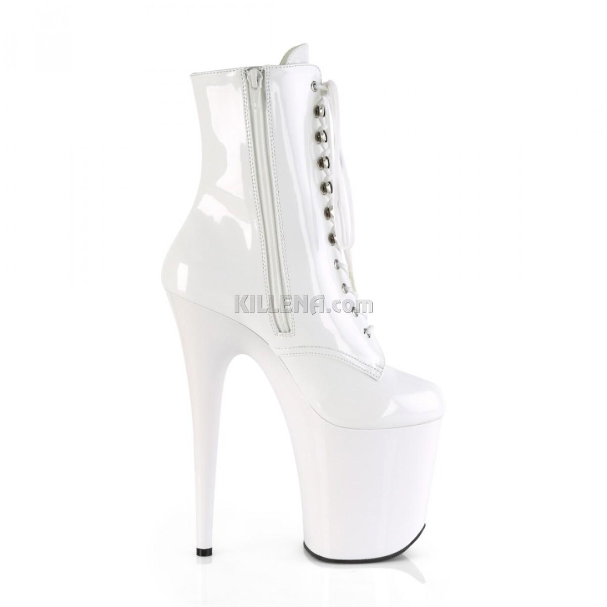 Белые лаковые закрытые ботинки pleaser