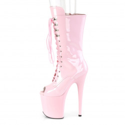 Высокие лакированные нежно-розовые стрип-ботинки с открытым носиком