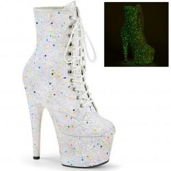 Белые ботиночки все в неоновым блестках