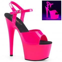 Ярко-розовые неоновые босоножки с чёрной стелькой
