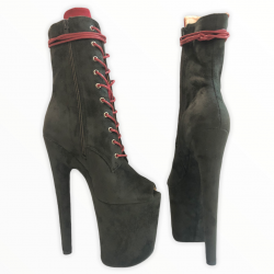 Стрип ботинки из эко замши  с узким вырезом под пальцы