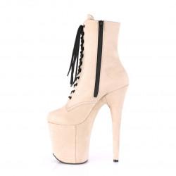 Замшевые бежевые ботинки-тройки с закрытым носком и пяткой