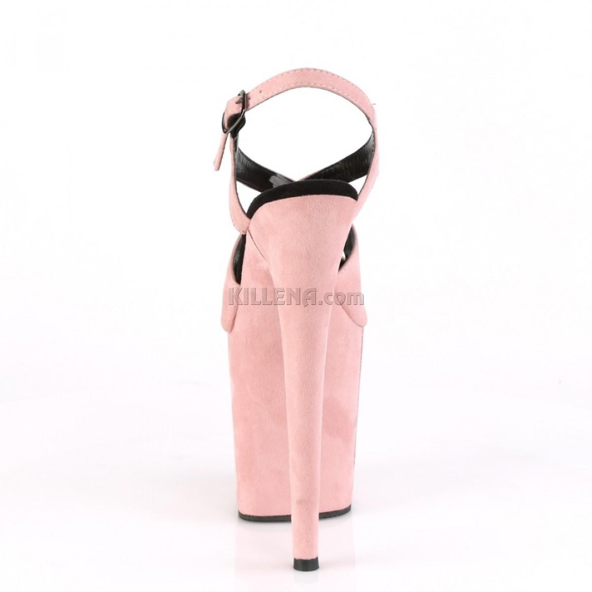 Нежно-розовые замшевые босоножки с переплетами
