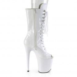 Высокие лакированные белые стрип-ботинки с открытым носиком