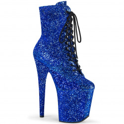 Стрип-ботиночки все покрыты синим глиттером